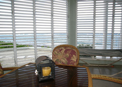 The lanai is a great place to eat dinner, read a book, play a game, or nap on the hammock.